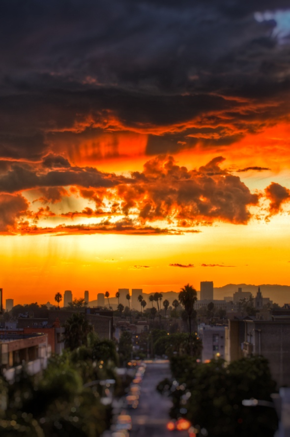Sunset over Los Angeles looking West. Photo by Frank Hsu